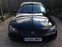2005 (05) Lexus IS 200 SE Auto 57,000 miles/ SAT NAV
