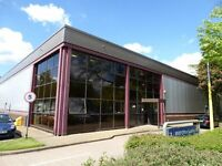 SURREY, FARNHAM - WAREHOUSE TO LET - 6711 SQ FT - 15 CAR PARKING SPACES