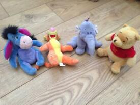 4 Winnie the Pooh soft toys