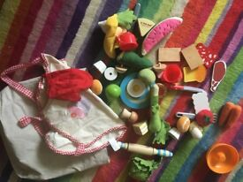 Play food and cooking toys £5