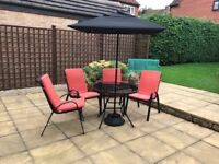 Garden Table with Parasol and 4 chairs