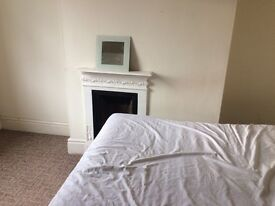 Large Double Bedroom in houseshare nottingham city centre 6 minutes ALL BILLS INCLUDED