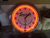 Snap-on neon retro clock