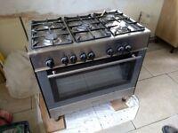 Kenwood 5 hob oven