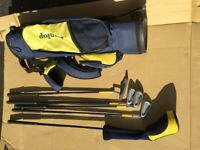 Dunlop Junior Set of Golf Clubs and Bag