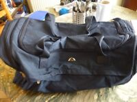 blue travel,sports,gym etc flexible bag,very good condition,also i have other four bags,all £5,each.