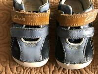 Clarks shoes, 3G