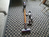 Dyson V8 Absolute cordless vacuum cleaner.good condition and fully working