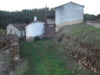 House to restore + 2000m2 of ground Portugal