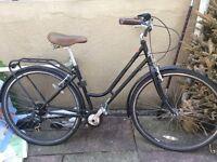 Ladies vintage style urban hybrid bike