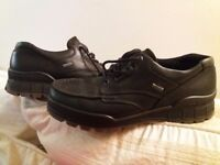 Ecco Track shoes never worn size 8 - update still available