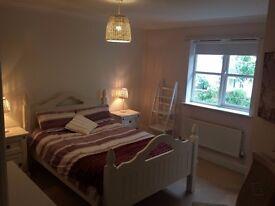 Double Room in Rural Village - Collingbourne Ducis