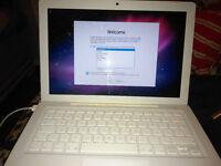 Apple mac book spars or repair Needs new Keyboard