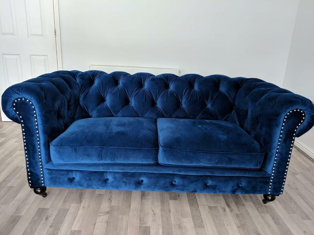 Beautiful Royal Blue Velvet Chesterfield Sofa In Keston