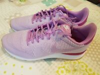 Ladies Nike trainers as new, size 7.5