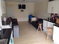 ENSUITE DOUBLE ROOMS ZONE 2 AVAILABLE NOW