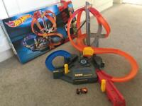 Hot wheel with booster - Spin Storm ( Hotwheels )