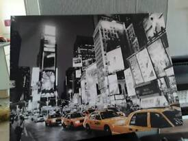 Yellow taxi canvas pic
