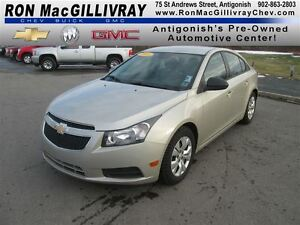 2013 Chevrolet Cruze LS,..Bucket Seats, Great fuel economy!