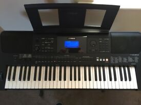 Yamaha PSR-E453 Exellent Condition, Included whith stand