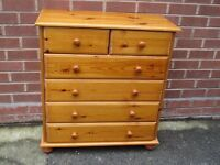 Chest of Drawers, 2 over 4 solid Pine chest of drawers.. 2years old