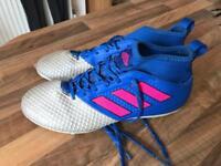 Adidas Predator football boots. Size 6.