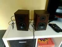 Edifer bookself monitor powered speakers