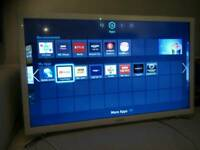Samsung WHITE LED SMART TV 32 INCH WITH REMOTE