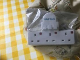 Pro-Electric three gang switched electrical adaptor brand new