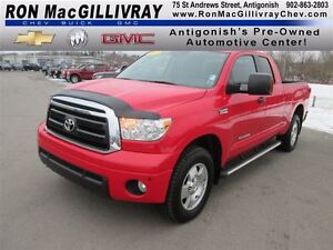 2013 Toyota Tundra SR5 5.7L V8,.. 1 Owner, Showroom Condition!