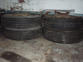4 TWIN STEEL WHEELS AND TYERS 185 / 15 INS RIMS