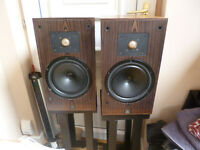 FS Monitor Audio R852 speakers