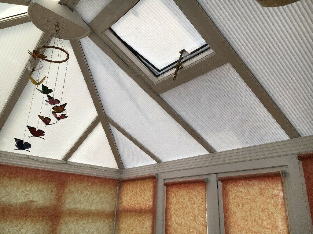UPVC conservatory approx 3.0m x 3.27m including blinds PRICE REDUCED ONO