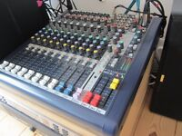 Soundcraft MFXi8 16 input mixer with box, manual and mic leads