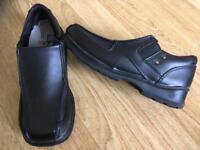 Boys school/ smart shoes size 13