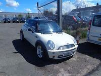2006(56) Mini Cooper ONE OWNER F.S.H. MOT'd 1 year £2295