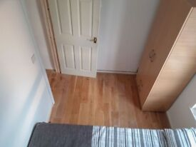 A single room available in Poplar
