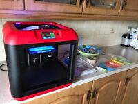 AS NEW 3D PRINTER!!!! WITH ALL ACCESORIES PLUG AND PLAY