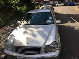 Very good and cheap Mercedes-Benz 180 Kompressor in Camberwell south London