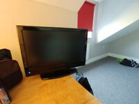 """19"""" TV with freeview and DVD built in - hdmi"""