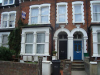 GARDEN FLAT IN HORNSEY LONDON N8