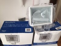 2 X outdoor floodlights