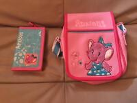Anxious girls bag with matching purse