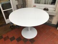 Round Dinning Table - Matt White - Composite Material - 110cm diameter