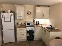 Small kitchen with appliances - MUST remove