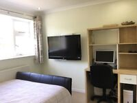 ROOM TO LET £250 INCLUDING BILLS