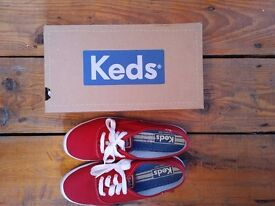 Red Canvas Keds Eyelet Trainers UK 6.5 EUR 40, barely worn in Camberwell