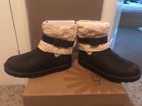Ladies Genuine Ugg Boots Size 8.5