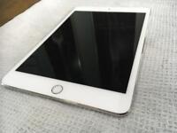 Mini iPad 4 16gb WiFi silver in stunning condition