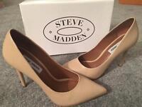 Steve Madden Nude Size 6